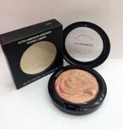 MAA-C AB4 extra dimension skinfinish poudre lumiere