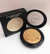 MAA-C AB2 extra dimension skinfinish poudre lumiere